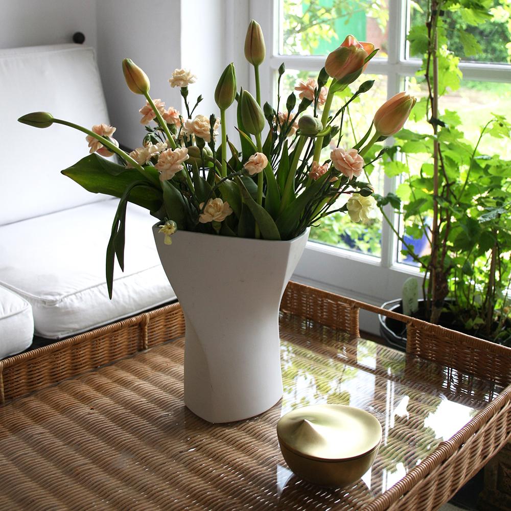 Spiral Porcelain Vase Dörfel Design